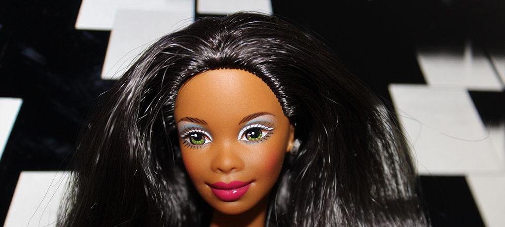 Barbie vintage avec un corps de muse