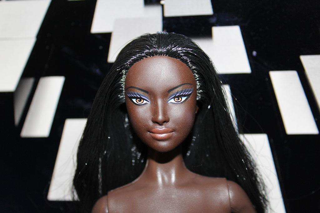 Barbie Basics - Modèle n°4 - Collection 001