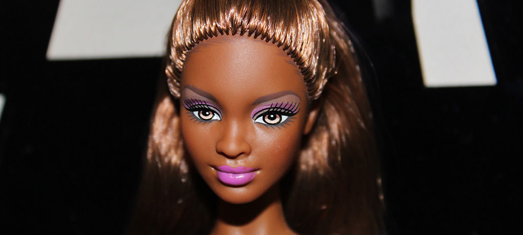 Barbie Naomi Article Profil