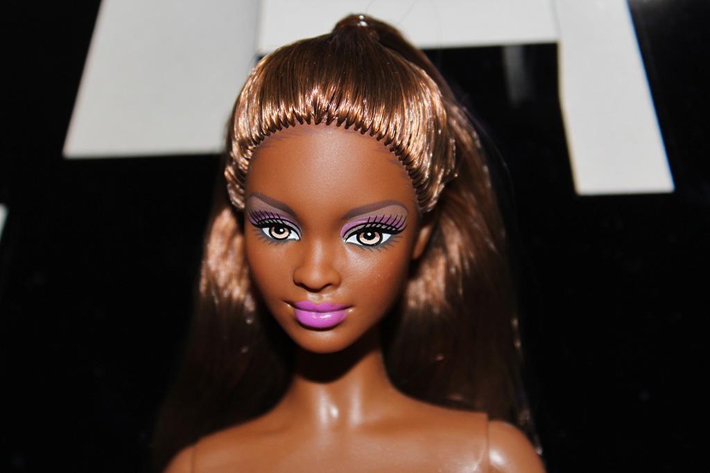Barbie Naomi Article Profil