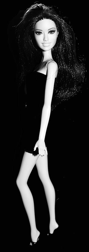 Barbie Iona Noir et Blanc