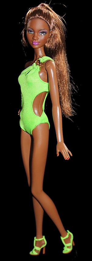 Barbie Naomi Maillot de Bain (face)